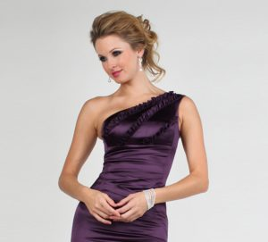 One shoulder neckline